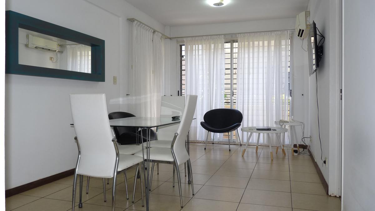 Foto Departamento en Venta en  Tigre ,  G.B.A. Zona Norte  Venta - Departamento de 3 ambientes con hermoso jardín y cochera.