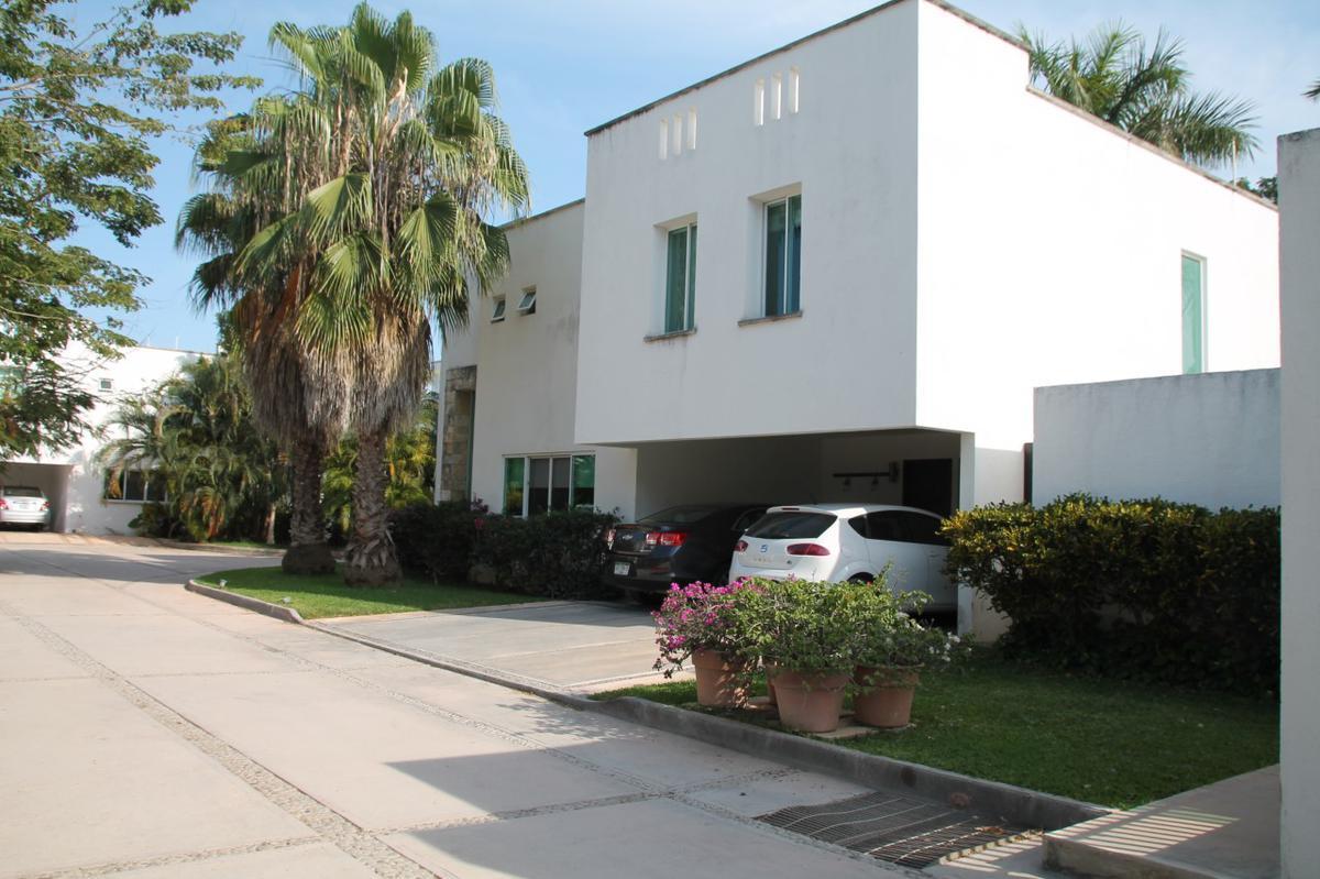Foto Casa en Venta en  Mérida ,  Yucatán  Vendo bella casa ubicada en privada en el Frac. Montes de Ame