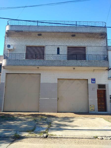 Foto Casa en Venta en  Lanús Este,  Lanús  BURELAS 1200