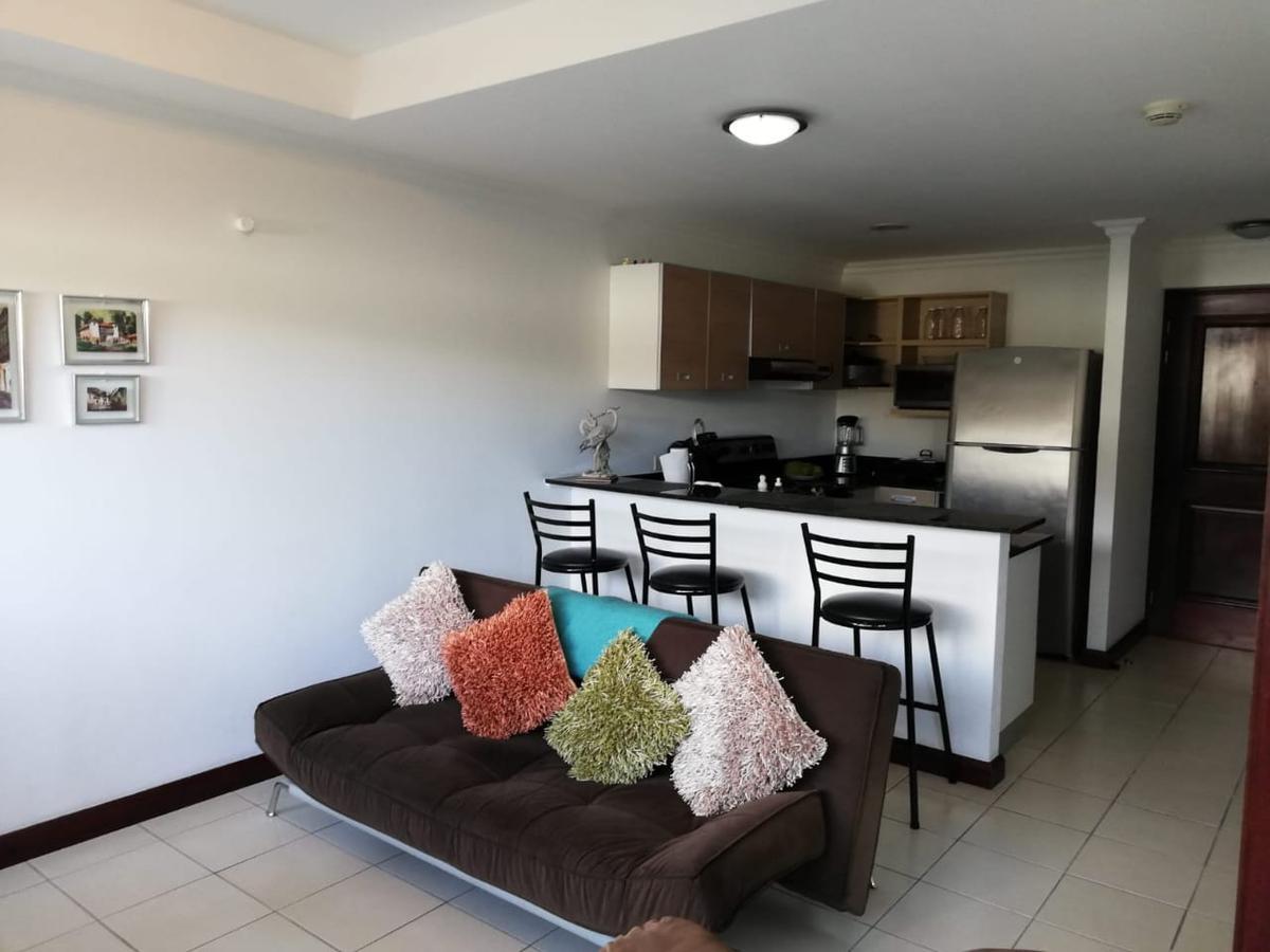Foto Departamento en Venta en  Santa Ana ,  San José  Apartamento Amueblado/ Primer Nivel/ Céntrico
