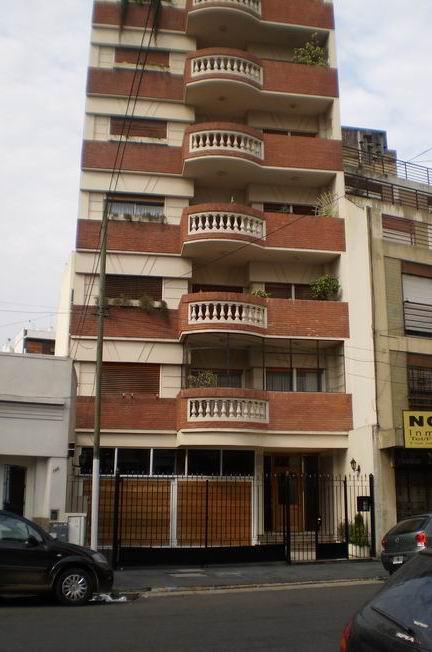 Foto Departamento en Venta en  Avellaneda,  Avellaneda  Monseñor Piaggio 190, Piso 3º