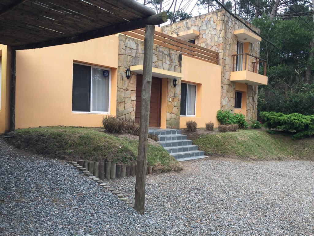 Foto Casa en Alquiler temporario en  Montoya,  La Barra  LA BARRA -LAS OLAS