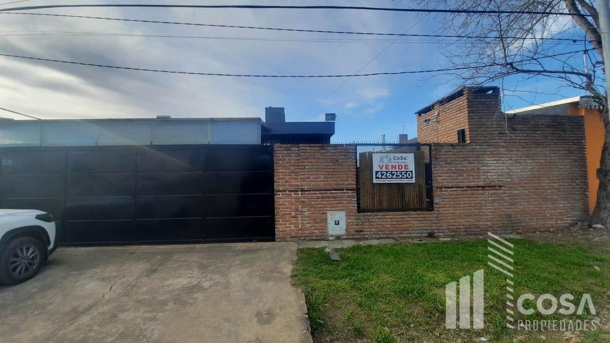 Foto Casa en Venta en  Fisherton,  Rosario  Alippi 9016