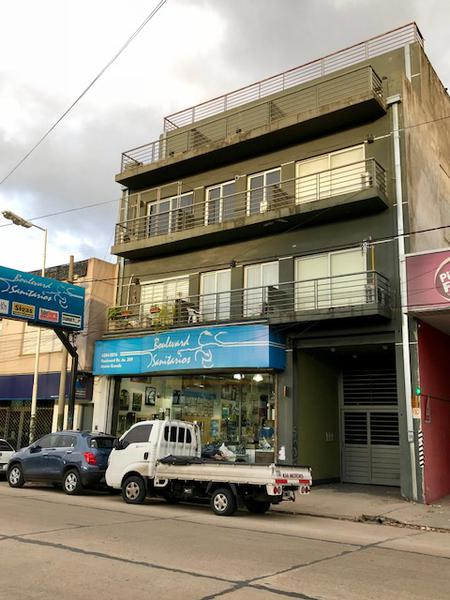 Foto Departamento en Alquiler en  Monte Grande,  Esteban Echeverria  Boulevard Buenos Aires 267. Piso 2