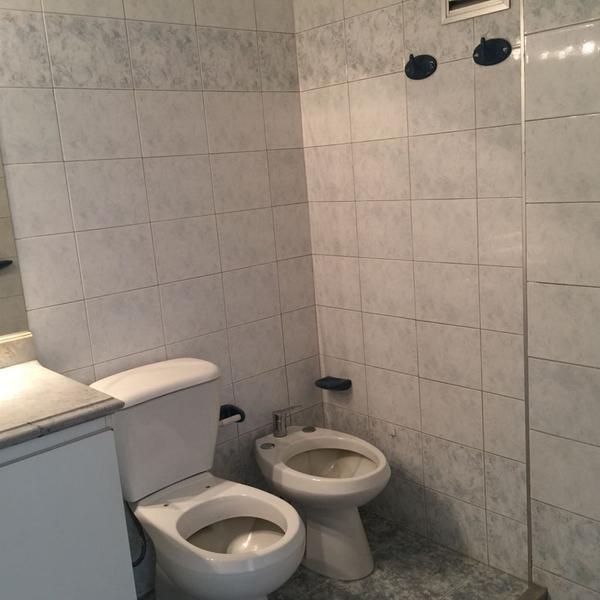 Foto Departamento en Alquiler en  Pocitos ,  Montevideo  BULEVAR ESPAÑA  ALTA SEGURIDAD