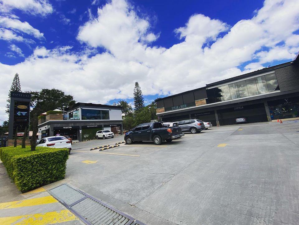 Foto Local en Renta en  Lomas del Guijarro,  Tegucigalpa  Local Comercial Plaza Cipreses Lomas Del Guijarro Tegucigalpa
