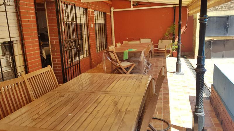 Foto Casa en Venta en  Mataderos ,  Capital Federal  Miralla al 2000 Casa  4 ambientes, mataderos, sobre lote de 47 m. de largo con patio, parque y piscina