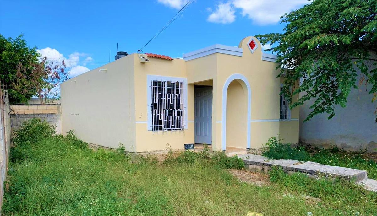 Foto Casa en Venta en  Fraccionamiento Polígono 108,  Mérida  Casa en venta en Merida, colonia Polígono 108- Es esquina con terreno.