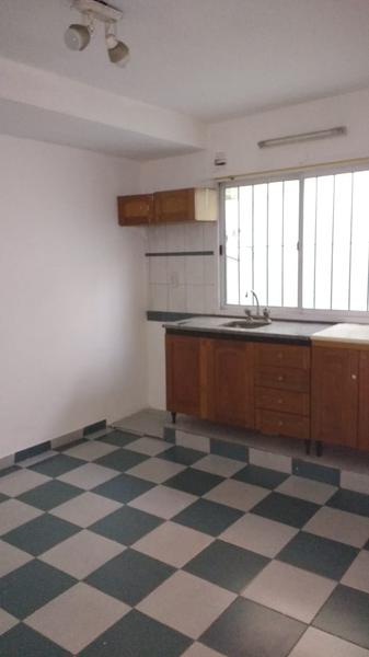 Foto Departamento en Alquiler en  San Miguel ,  G.B.A. Zona Norte  Sarmiento al 1100