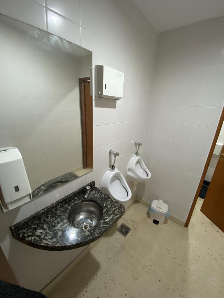 Foto Local en Alquiler en  Santa Fe,  La Capital  Bv. Galvez al 2100