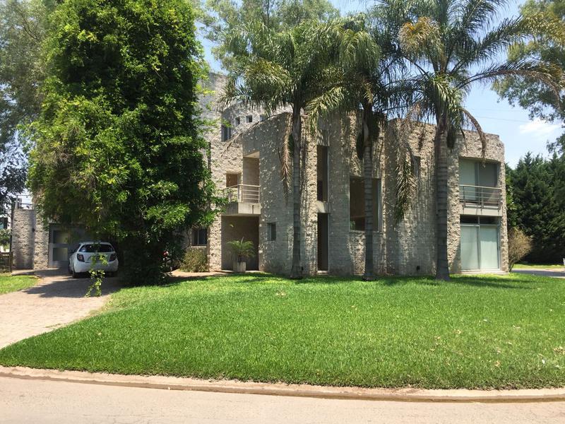 Foto Casa en Alquiler temporario en  Barrio Parque Leloir,  Ituzaingo  Del Facon