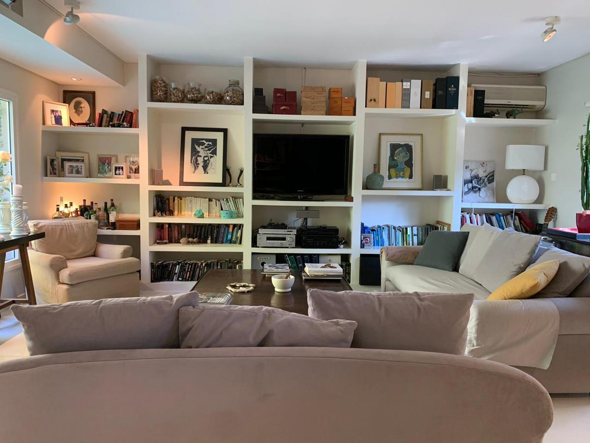 Foto Casa en Venta en  Olivos,  Vicente Lopez  Rawson  al 2900