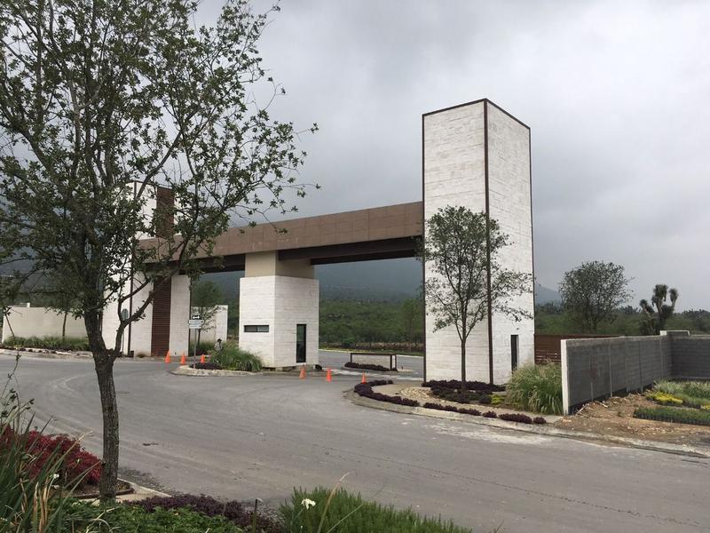 Venta de Casa 3 recamaras en Monterrey Cumbres Oro Residencial