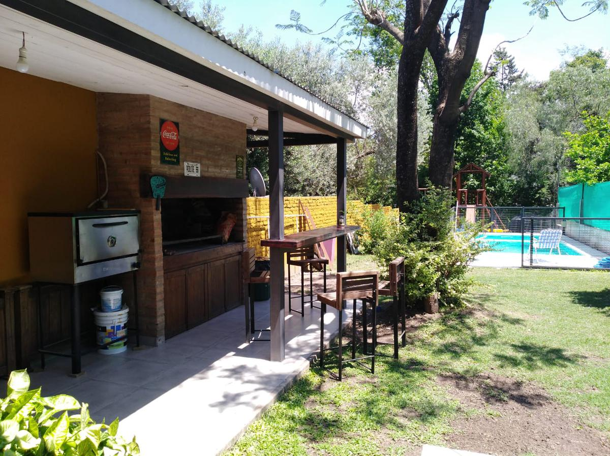 Foto Casa en Venta en  Rivera Indarte,  Cordoba  VENDO CASA 2 DORMITORIOS CON PILETA BARRIO VILLA RIVERA INDARTE