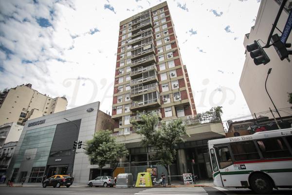 Foto Departamento en Venta en  Caballito ,  Capital Federal  Av. Rivadavia al 6100