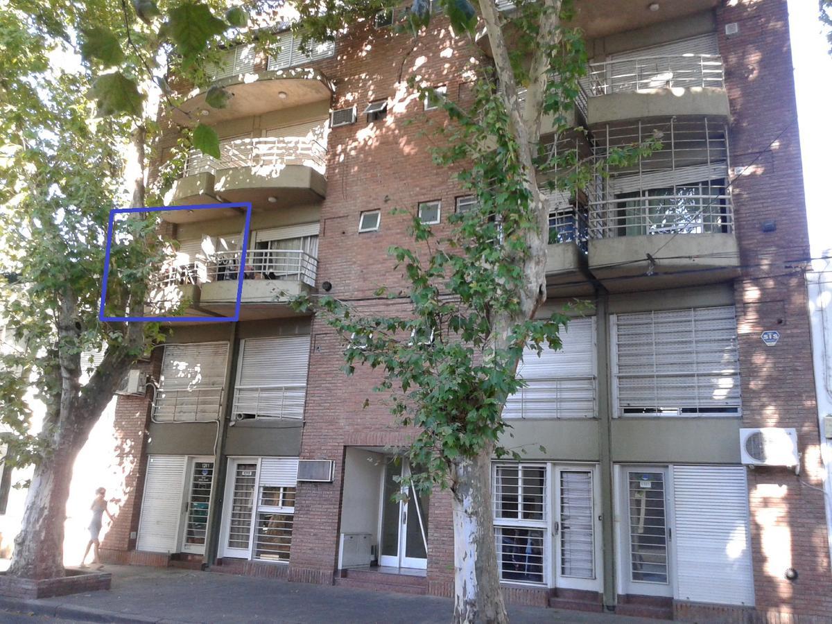 Foto Departamento en Alquiler en  Centro,  Rosario  Monoambiente - Rodriguez 1315 02-01 (escalera)
