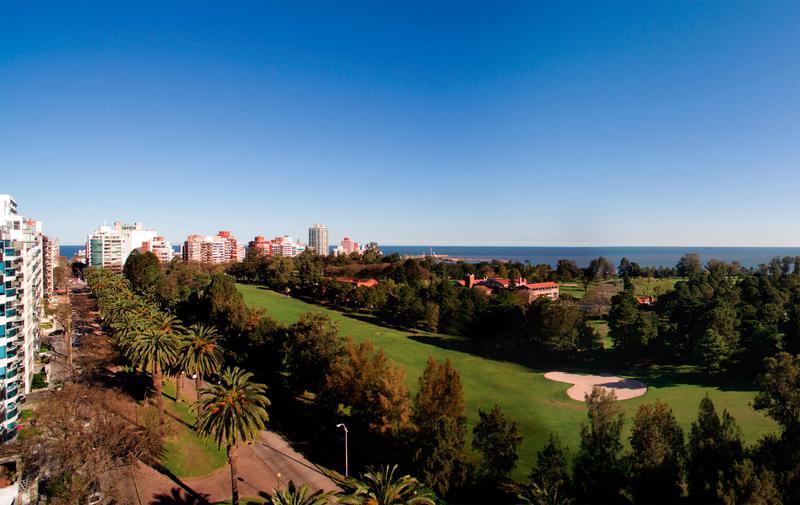 Foto Departamento en Alquiler en  Punta Carretas ,  Montevideo  Unico edificio frente al Golf, a estrenar 3 dormitorios