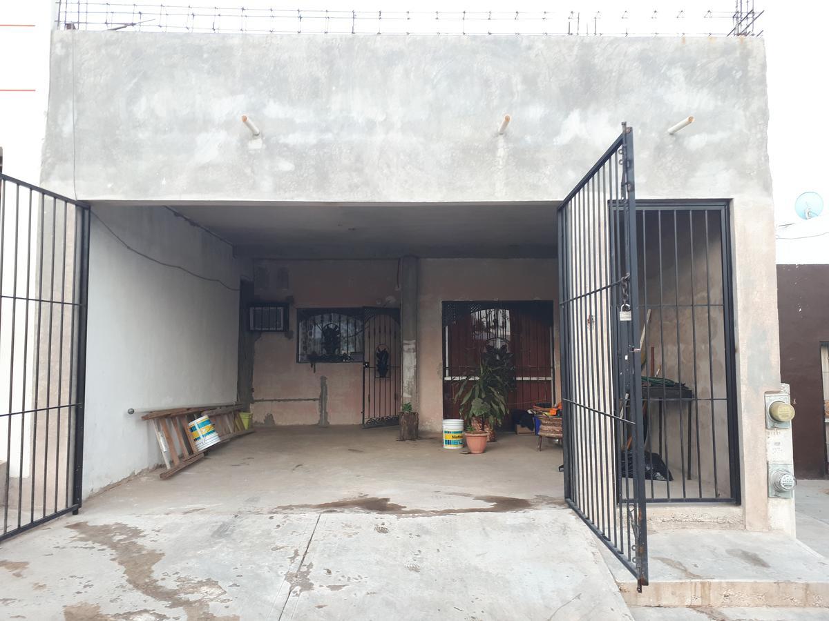 Foto Casa en Venta en  Fraccionamiento Prados Del Sol,  Culiacán  CASA EN VENTA FRENTE A PLAZA SAN ISIDRO