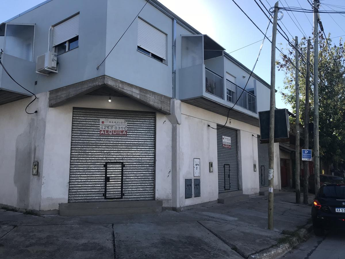 Foto Local en Alquiler en  Ezpeleta Este,  Quilmes  Ceferino Namuncura esquina Lisandro de la Torre