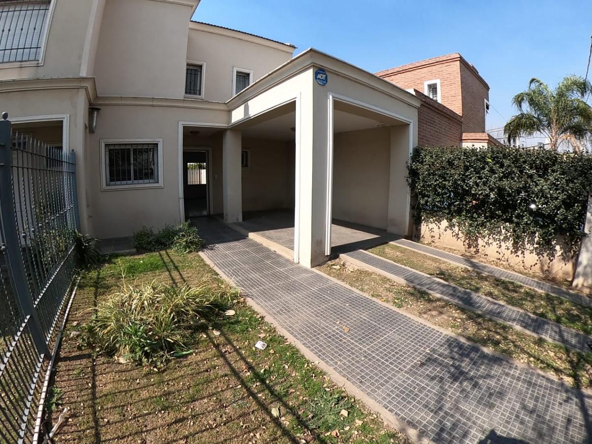 Foto Casa en Venta |  en  Nuevo Poeta Lugones,  Cordoba Capital  Nuevo Poeta Lugones - Dúplex 2 dorm - 2 baños - Patio