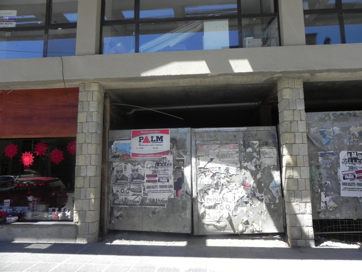 Foto Local en Alquiler en  Centro,  San Carlos De Bariloche  San Martin al 400