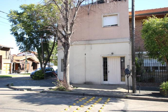 Foto Casa en Alquiler en  Mart.-Santa Fe/Fleming,  Martinez  PRINGLES al 1700