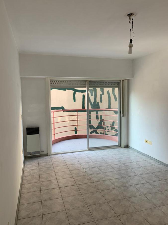 Foto Departamento en Venta en  S.Fer.-Vias/Centro,  San Fernando  3 de febrero al 600