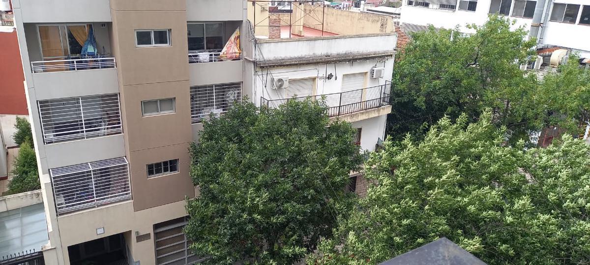 Foto Departamento en Venta en  Villa del Parque ,  Capital Federal  General  Rivas al 2300