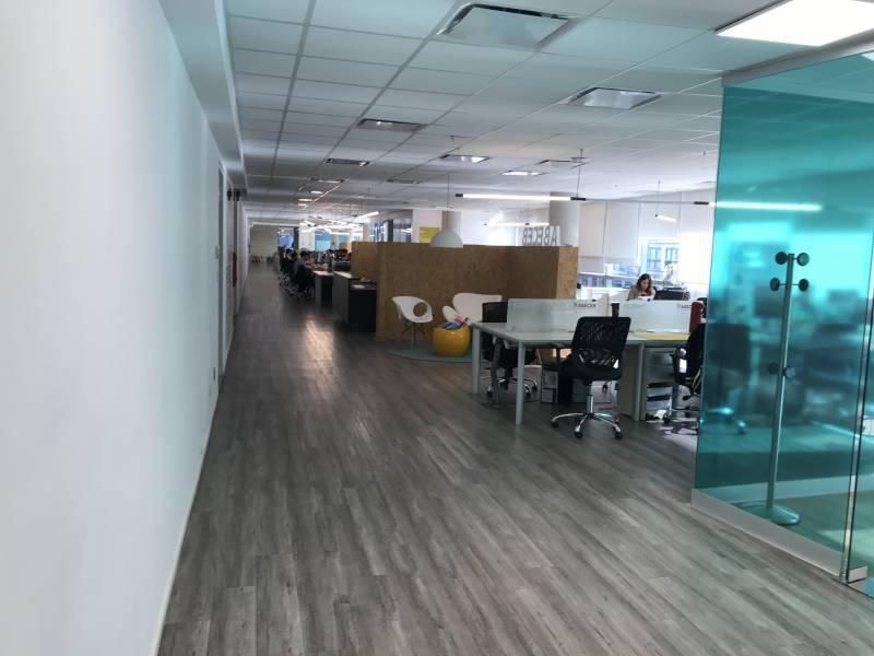 Foto Oficina en Alquiler en  Puerto Madero ,  Capital Federal  Madero Center - Juana Manso 500 5A b c f
