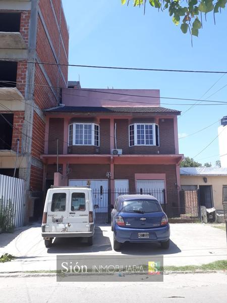 Foto Terreno en Venta en  Ezeiza ,  G.B.A. Zona Sur  Jose Maria Ezeiza 270 IDEAL INVERSION: 5 DEPTOS   CASA 3 AMBIENTES