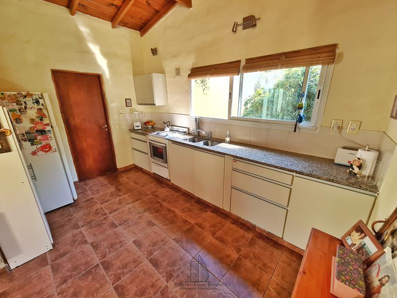 Foto Casa en Venta en  Bosque Peralta Ramos,  Mar Del Plata  Guaranies y Margaritas