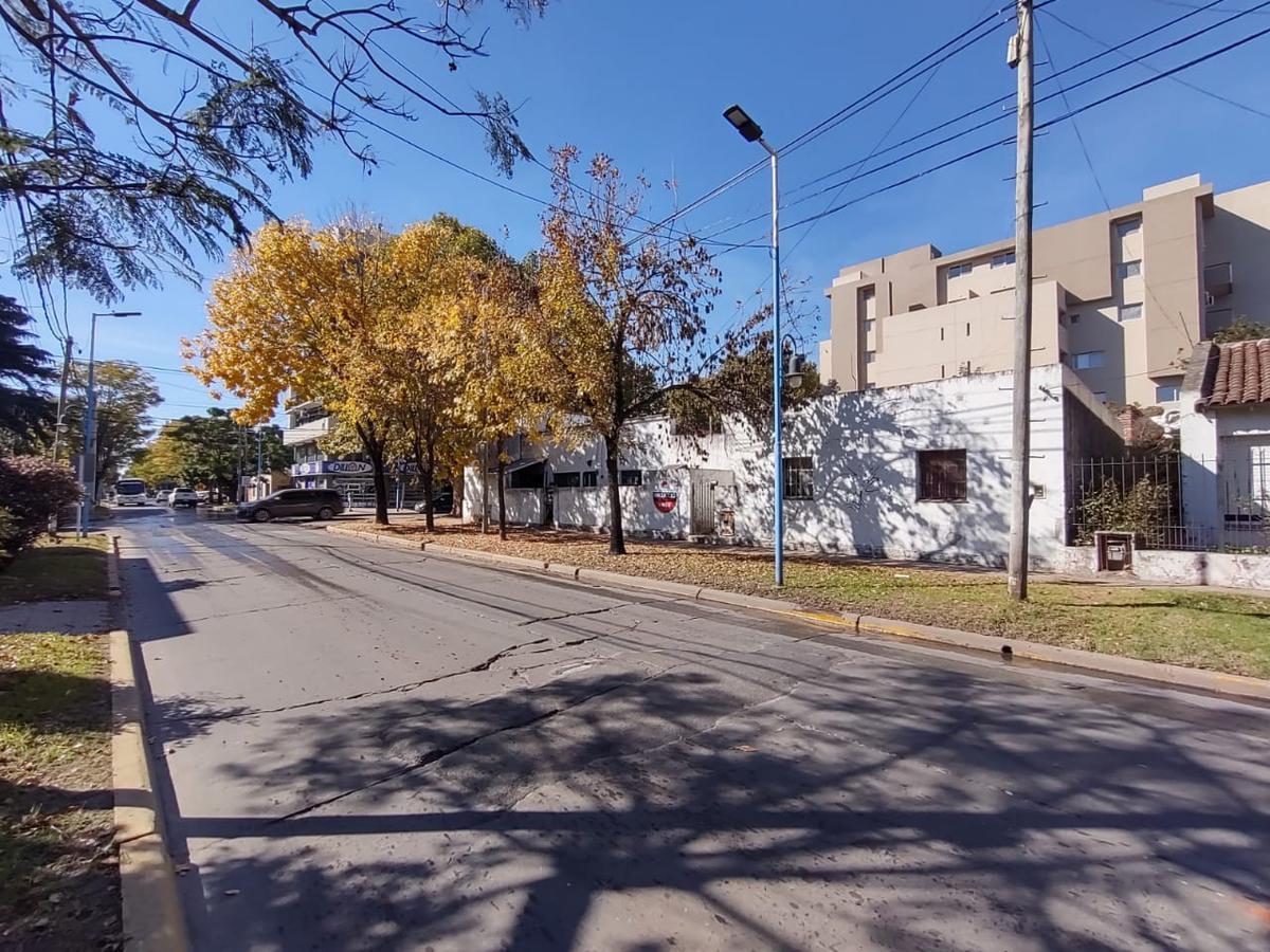 Foto Terreno en Venta en  Escobar ,  G.B.A. Zona Norte  César Díaz esquina Rivadavia. INMEJORABLE UBICACIÓN