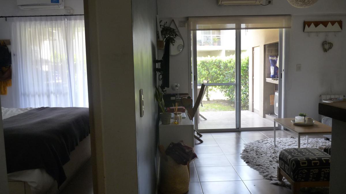 Foto Departamento en Venta en  Tigre Residencial,  Tigre  Venta - Departamento 2 ambientes con jardín y cochera cubierta - Complejo Los Naranjos - Tigre Residencial