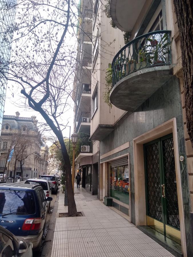 Foto Departamento en Venta en  Recoleta ,  Capital Federal  Arenales al 800