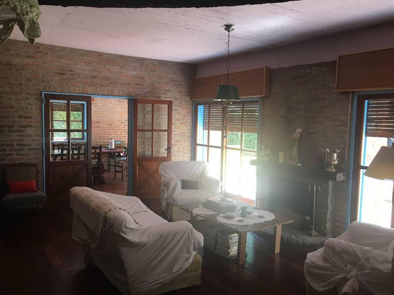 Foto Casa en Venta en  Barrio Parque Leloir,  Ituzaingo  J. Hernandez