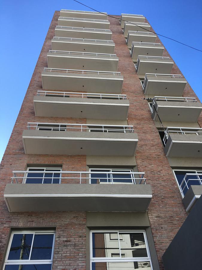 Foto Departamento en Venta en Republica Oriental del Uruguay al 300, Argentina | G.B.A. Zona Oeste | Moron