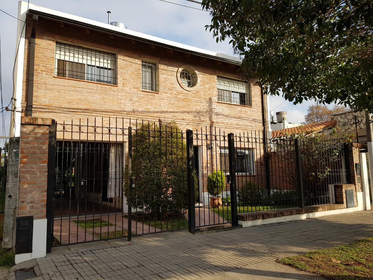 Foto Casa en Venta en  Roque Saenz Peña,  Rosario  Av. del Rosario al 600