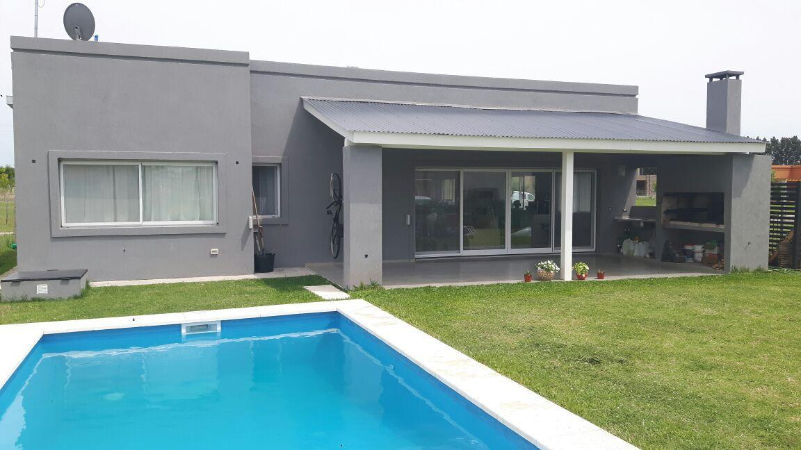 Foto Casa en Venta en  Pilar,  Pilar  San Eduardo, Pilar del Este
