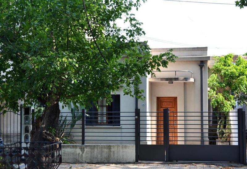Foto Casa en Venta en  Lomas de Zamora Este,  Lomas De Zamora  Pedernera al 400