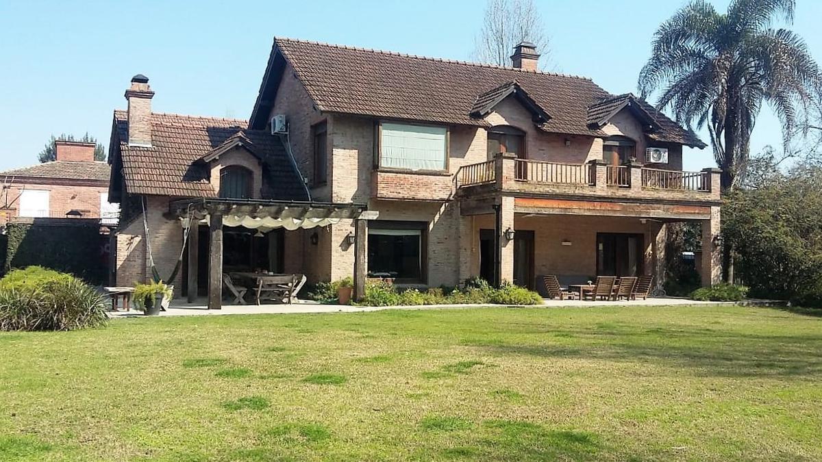 Foto Casa en Venta en  Las Lomas-Horqueta,  Las Lomas de San Isidro  Saturnino Segurola al 500
