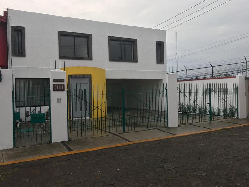 Foto Casa en Renta en  Llano Grande,  Metepec  Casa en Renta cerca Club Britania