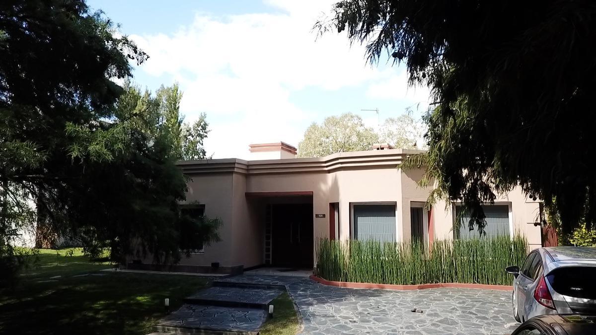 Foto Casa en Alquiler en  Canning,  Ezeiza  CASA EN VENTA/ ALQUILER : CANNING:: EL LAUQUEN