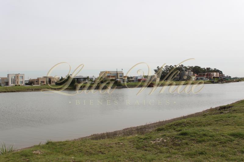 Foto Terreno en Venta en  Horizontes al Sur,  Canning (Ezeiza)  Venta - Lote con fondo a la laguna en Horizontes al Sur