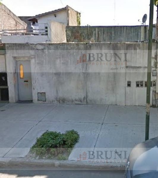 Foto Casa en Venta en  Pompeya ,  Capital Federal  Alberto Einstein al 800