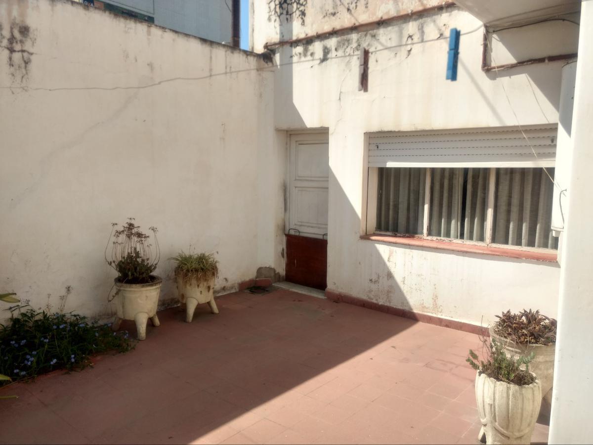 Foto Casa en Venta en  Alberdi,  Cordoba  Caseros al 1000