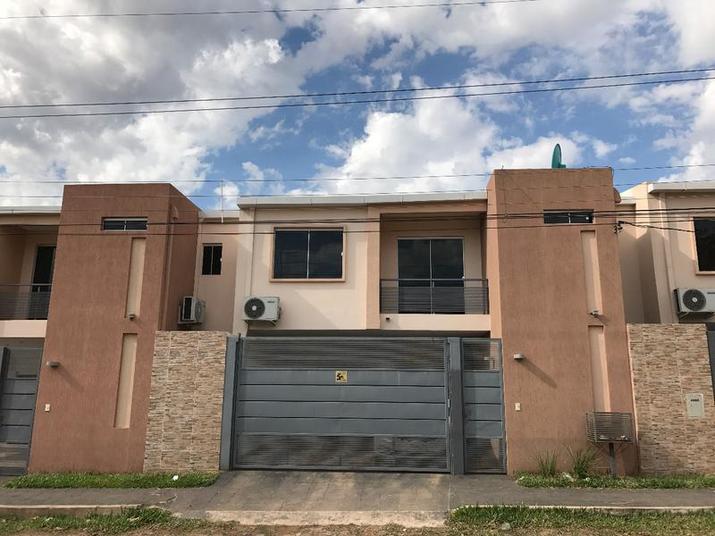 Foto Casa en Venta en  Mbocayaty,  Zeballos Cue  Zona Parroquia La Piedad