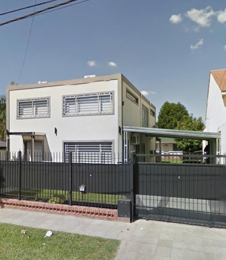 Foto Casa en Venta en  San Miguel ,  G.B.A. Zona Norte  Salerno al 1000