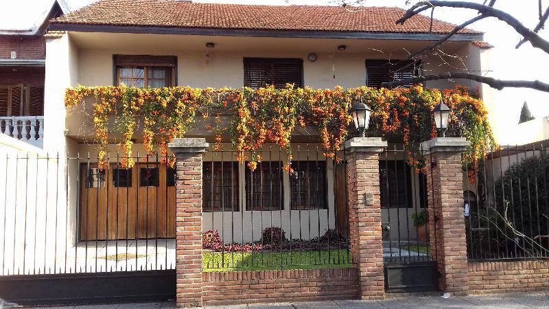 Foto Casa en Venta en  Banfield Oeste,  Banfield  ARAOZ  756  e/ Carlos Croce y J.M. Penna