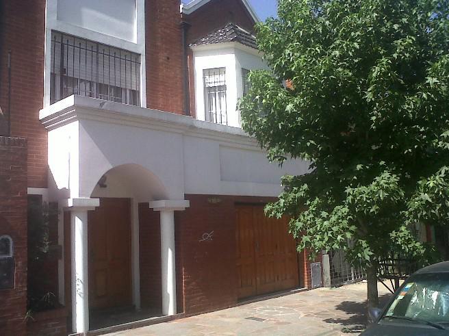 Foto Casa en Venta en PELLEGRINI, CARLOS entre BELGRANO y 25 DE MAYO, G.B.A. Zona Oeste   Moron   Moron