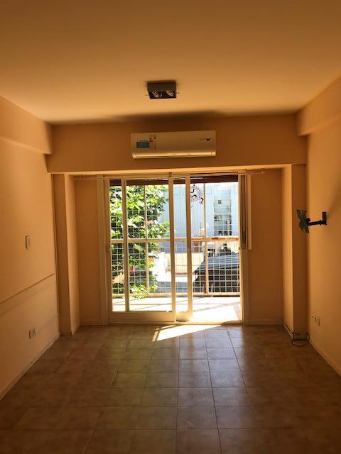 Foto Departamento en Alquiler temporario en  Palermo ,  Capital Federal  TEMPORARIO 2 ambientes - Serrano al 1400